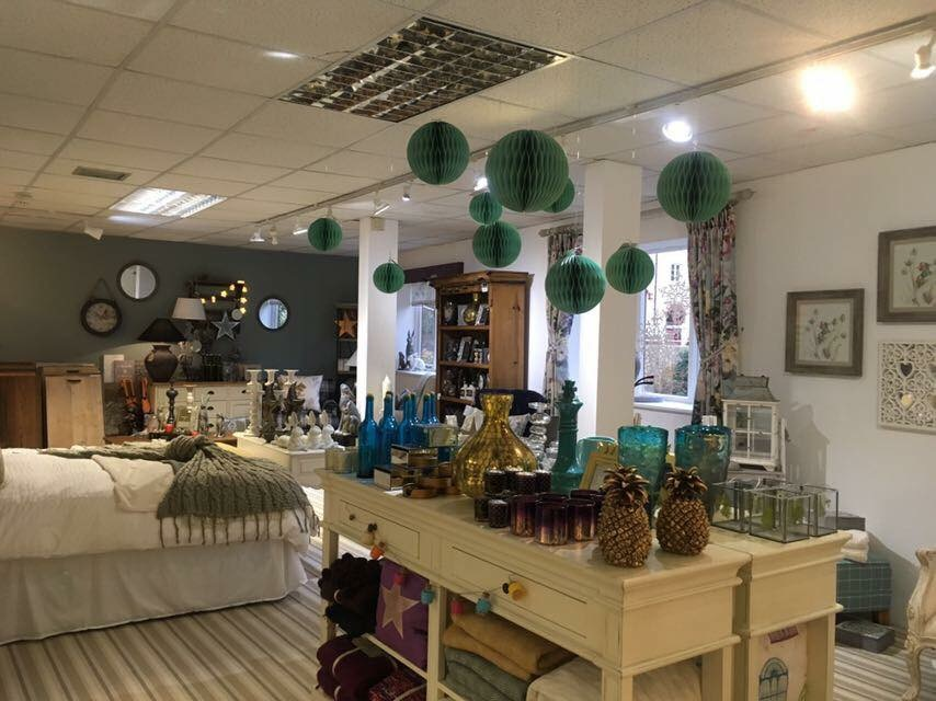 Showroom (Dec 2017)<div style='clear:both;width:100%;height:0px;'></div><span class='cat'>Furnishings & Accessories</span>