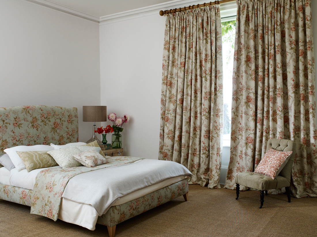 Linwood Arcadia<div style='clear:both;width:100%;height:0px;'></div><span class='cat'>Linwood Fabrics</span>
