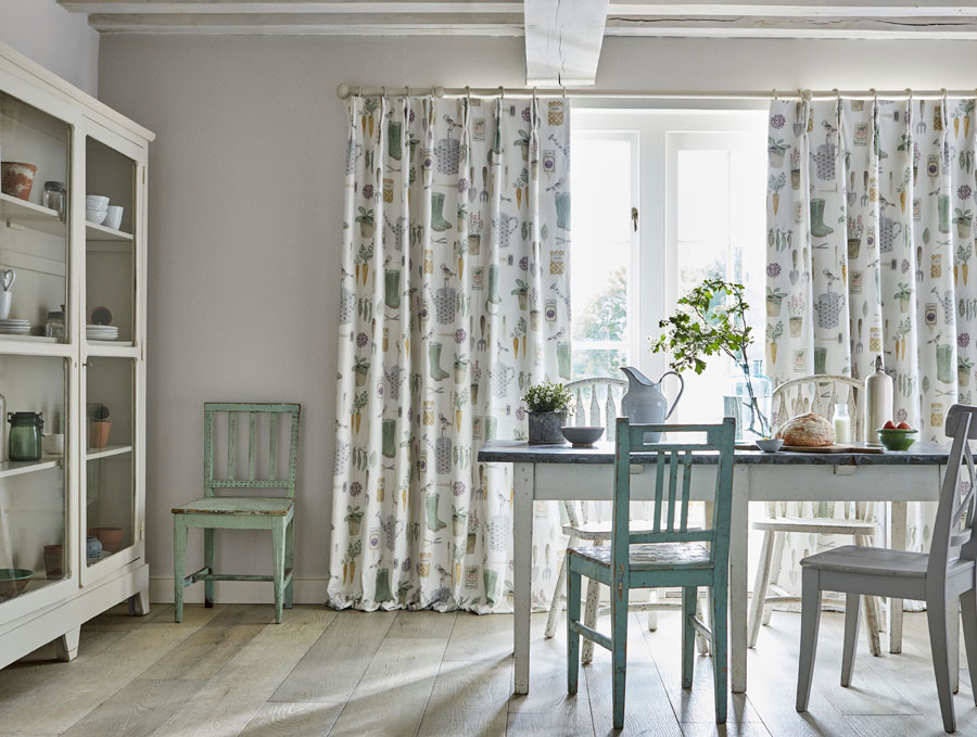 Twin Pinch in Sanderson Potting Room<div style='clear:both;width:100%;height:0px;'></div><span class='cat'>Curtains Pelmets, Sanderson</span>