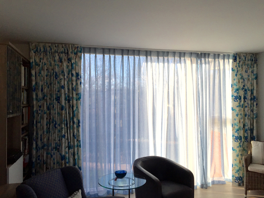 Twin pinch curtains & sheers <div style='clear:both;width:100%;height:0px;'></div><span class='cat'>Curtains Pelmets, Previous Projects</span>